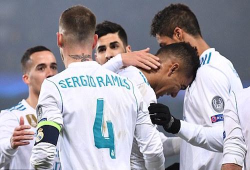 ريال مدريد يهزم سان جيرمان في عقر داره ويتأهل لدور الثمانية من دوري أبطال أوروبا