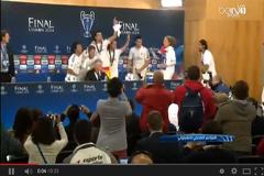 لاعبو الريال يقتحمون مؤتمر أنشلوتي