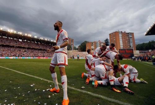 رايو فاليكانو يضمن الصعود للدوري الإسباني