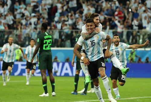 الأرجنتين تهزم نيجيريا وتتأهل بشق الأنفس إلى دور الـ16 من كأس العالم