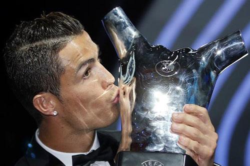 مفاجأة مدوية في القائمة النهائية لأفضل لاعب بأوروبا