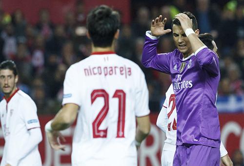 إشبيلية يقلب الطاولة على ريال مدريد وينفرد بوصافة الدوري الإسباني