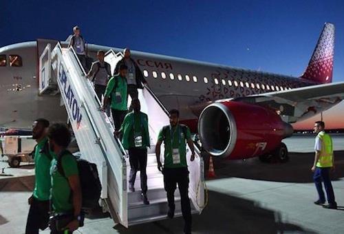 عاجل بالصور: طائرة المنتخب السعودي تنجو بأعجوبة من كارثة جوية