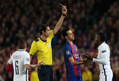 الـPSG يعترض على حكم مباراة برشلونة