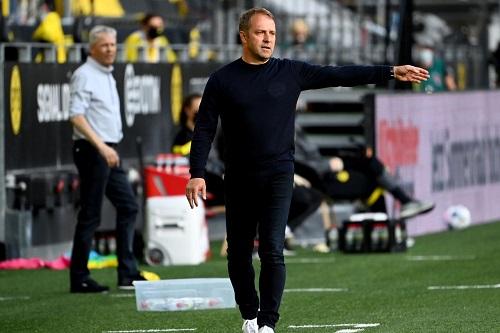 فليك مدرب بايرن مستاء من إقامة مباراة السوبر الأوروبي في بودابست