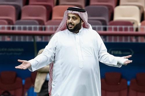 """خلاف الأهلي وآل الشيخ إلى نقطة الصفر: لا رئاسة شرفية... ولا """"عسل"""""""