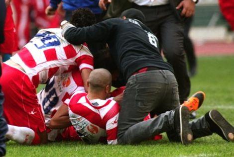 إيقاف 10 لاعبين بعد أحداث العنف بنهائي كأس تونس