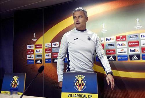 مدرب فياريال: لا أحد يحب مواجهة برشلونة الآن