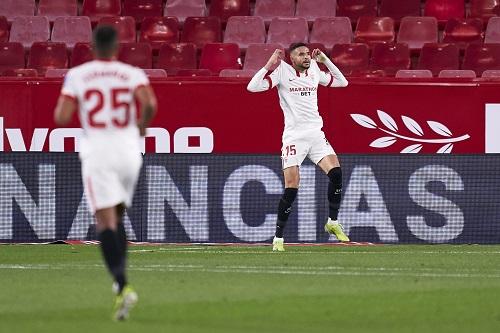 يوسف النصيري يقود إشبيلية لهزم فالنسيا في الدوري الإسباني