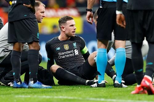 ليفربول يفتقد قائده ثلاثة أسابيع بسبب الإصابة