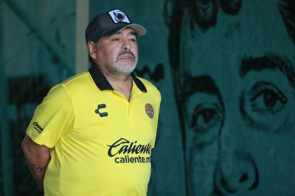 """فيرون يتمنى نجاح مارادونا في """"إنقاذ"""" خيمناسيا"""