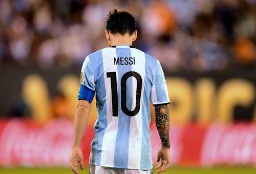 فارغاس يتفوق على ميسي ويتوج هدافا لكوبا أمريكا 2016