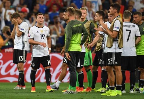 """بيكنباور: خروج ألمانيا من نصف نهائي بطولة أوروبا """"لا يمثل كبوة لمنتخبنا الشاب"""""""