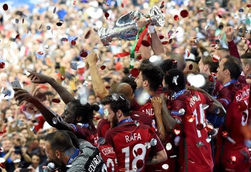 """البرتغال """"المتواضعة"""" تتعملق في نهائي """"يورو 2016"""" وتفوز بلقبها الأول"""