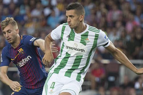 ثلاثةُ لاعبين مغاربة في دور الـ32 من كأس الاتحاد الأوروبي وفضال يَنال الإِشادة