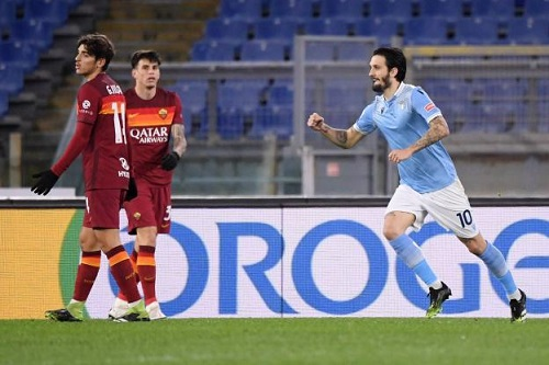 لاتسيو يقسو على روما في ديربي العاصمة ويصدم طموحاته في الدوري الإيطالي