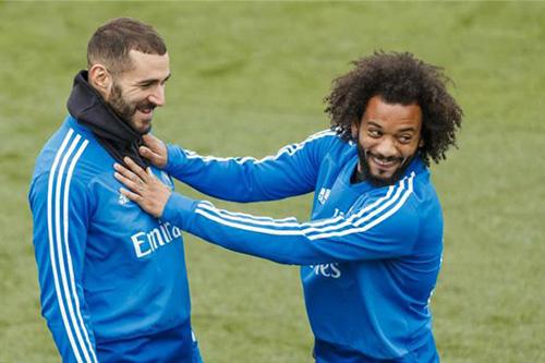 مارسيلو يحسم الجدل حول مستقبله مع ريال مدريد: أود الاستمرار