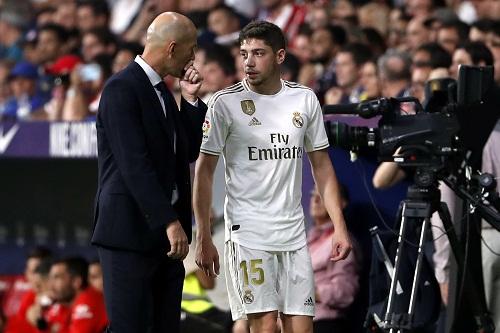 """ريال مدريد الباحث عن بوغبا يجد الخلاص مع """"الطائر الصغير"""" فالفيردي"""