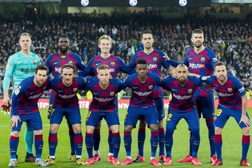 برشلونة يوضح حقيقة إصابات لاعبيه بكورونا