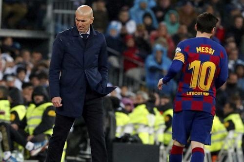 زيدان: برشلونة قادر على المنافسة على كل الألقاب رغم الأزمات
