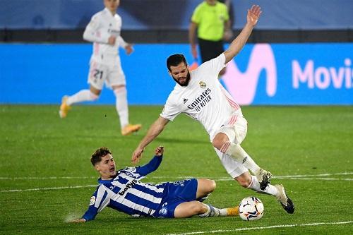 ريال مدريد يعلن إصابة لاعبه ناتشو بكورونا