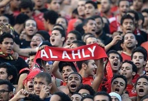 """الشرطة المصرية تلقي القبض على عدد من أعضاء """"التراس"""" رابطة مشجعي الأهلي"""