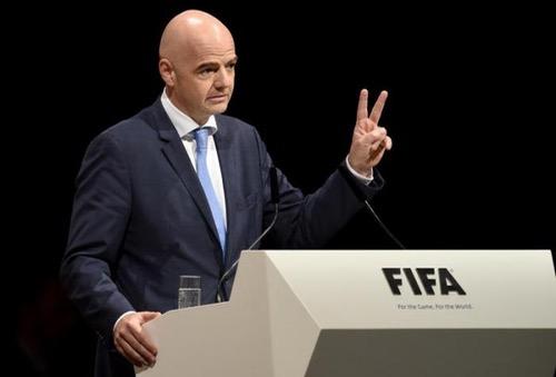 الفيفا يختار رئيسه العام المقبل في باريس.. وانفانتينو أمام تحديات إعادة انتخابه