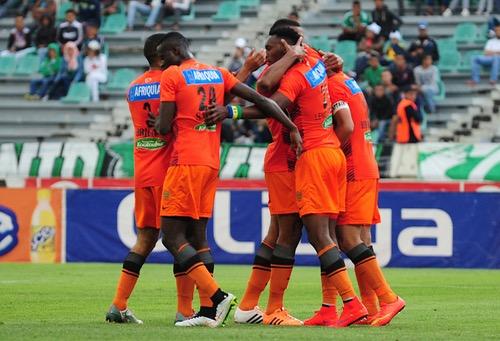 """كأس """"الكاف"""".. نهضة بركان يعود بفوز ثمين من الموزمبيق على حساب يونياو دو سونجو"""