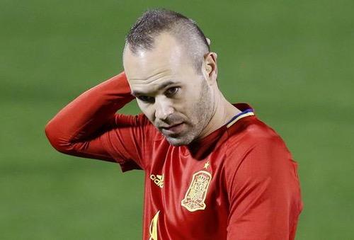 """إنييستا: مونديال روسيا الأخير لي مع """"لاروخا"""".. وأفكر جديا في مغادرة برشلونة"""