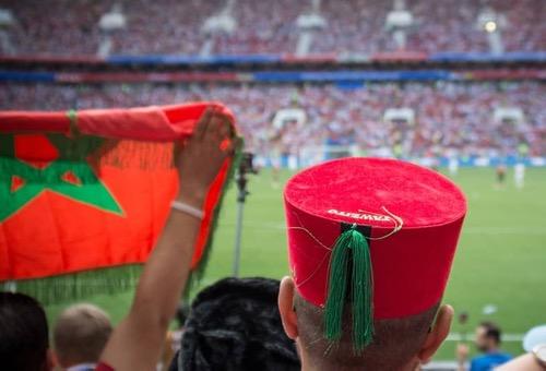 بين تشجيع أفارِقة فرنسا والتعاطُف مع رئِيسة كرواتيا.. المَغاربة لم يملُّوا من تشجيع مُنتخبات كأس العالم