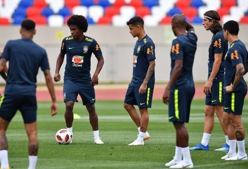 البرازيل تودع سوتشي استعدادا لمواجهة بلجيكا دون كاسيميرو الموقوف