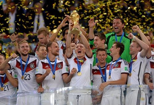"""الاتحاد الألماني يخصص 350 ألف أورو للاعبي """"المانشافت"""" لإبقاء كأس العالم ألمانية"""