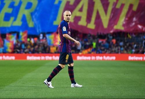 برشلونة يودع إنييستا بالفوز على سوسييداد بهدف في الدوري الإسباني