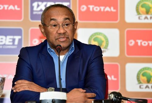 """رئيس """"الكاف"""": 500 صحافي من 23 دولة لتغطِية """"الشان"""".. وأدْعَم المغرب لتنظيمِ """"المونديال"""""""