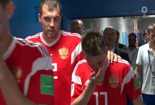 """صَحيفة ألمانية تتهم لاعبي المنتخب الروسي بتعاطي المنشطات.. وطبيب """"الدببة"""" ينفي"""