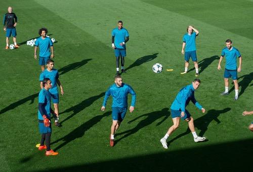 ريال مدريد يسعى لثمن النهائي وكريستيانو في مهمة لعلاج القلق بالتسجيل