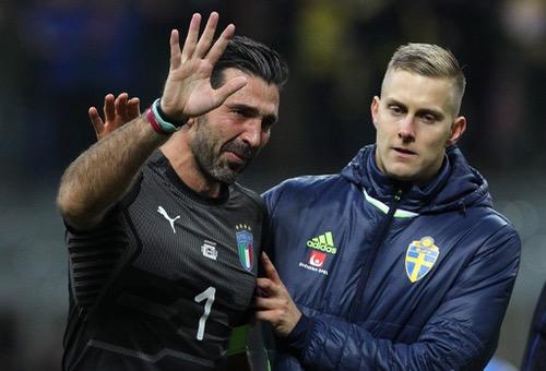 """بوفون باكيا: هذه """"كارثة"""".. مسيرتي انتهت مع إيطاليا والجميع يتحمل المسؤولية"""