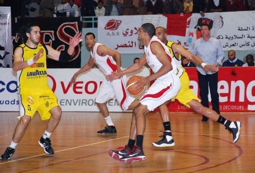الوداد والفتح وجمعية سلا وشباب الريف الحسيمي إلى المربع الذهبي للبطولة الوطنية لكرة السلة