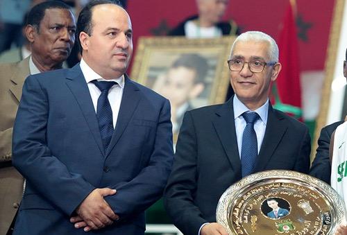 """وزير الشباب والرياضة """"يُهين"""" رئيس جامعة السلة أمام لاعبيه والأخير يطالب الوزير بالاعْتذار"""