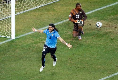 """من ذاكرة كأس العالم.. """"المجنون"""" سيباستيان أبريو، اسمٌ على مسمى!"""
