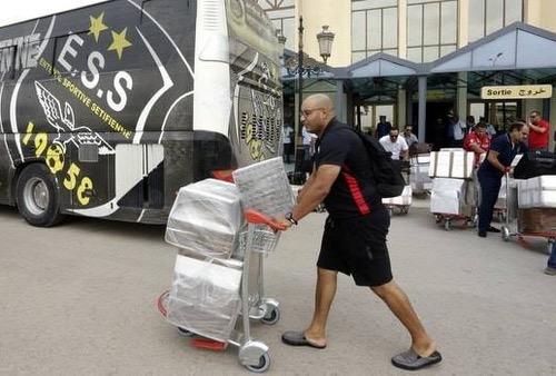 صُحف الخميس: الوداد يرفض وجبات الفندق بسطيف الجزائرية ويصر على الاستعانة بمؤونته الخاصة