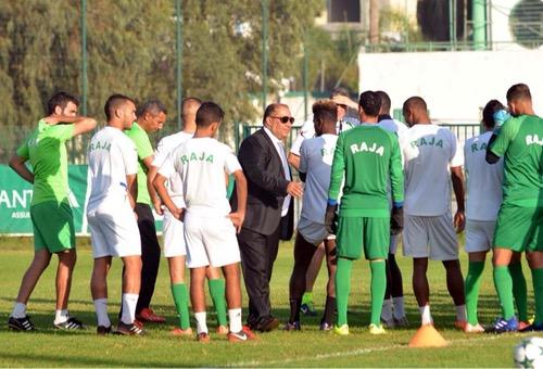 صُحف الأربعاء: خلافات بين لاعبي الرجاء ترخي بظلالها على الفريق قبل نهائي كأس العرش