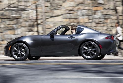 Mazda MX-5 RF المكشوفة ضمن أفضل عشر سيارات عالية الأداء