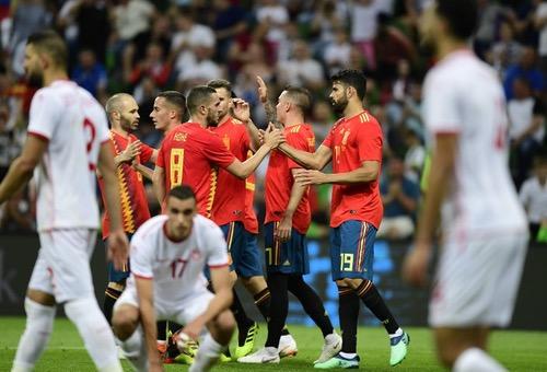 إسبانيا تعاني قبل الفوز على تونس بهدف في ختام استعداداتهما لمونديال روسيا