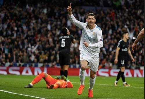"""رونالدو يقود """"ثورة"""" ريال مدريد المتأخرة على الـ PSG والفوز بثلاثية بدوري الأبطال"""