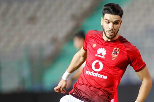 مدير الكرة بالأهلي المصري: أزارو مستمر معنا ولم يتلق أي عرض خارجي