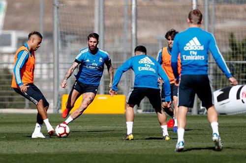 غياب كروس وعودة كارباخال في قائمة ريال مدريد