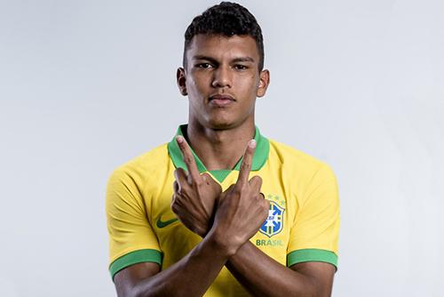 البرازيلي فيرون أفضل لاعب في مونديال الناشئين