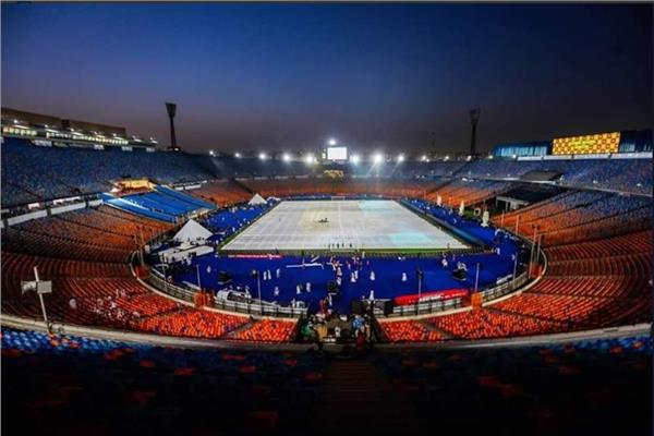 أبواب ملعب القاهرة الدولي تفتح بالمجان أمام الجماهير الجزائرية في النهائي
