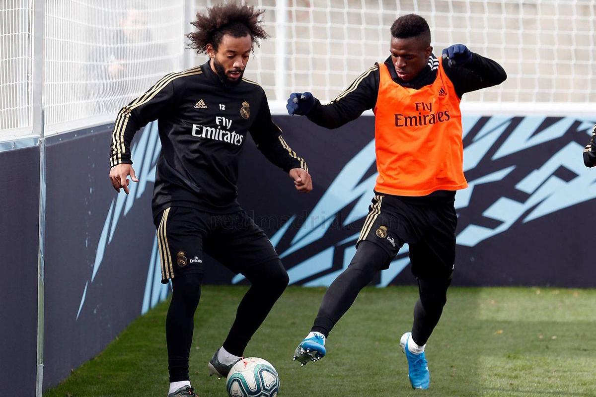 مارسيلو يعود لتدريبات الريال بعد تعافيه من الإصابة